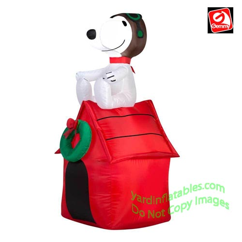 3 12 snoopy on doghouse w wreath