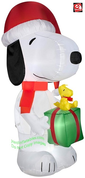 5 1/2' Snoopy Holding Present w/ Woodstock