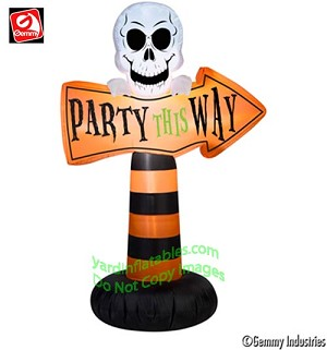 "3 1/2' ""Party This Way"" Sign w/ Skull"