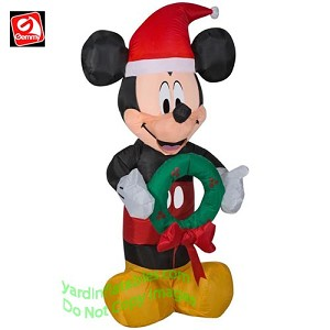3 1/2' Mickey Mouse Wearing Santa Hat w/ Wreath