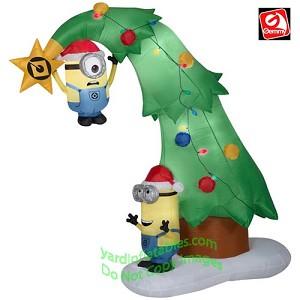 6 12 minions decorating a christmas tree - Minions Christmas Tree