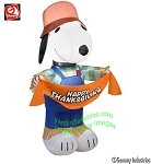 3 1/2' Gemmy Airblown Inflatable Peanuts Snoopy As Scarecrow Holding Banner